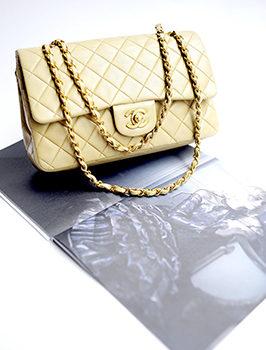 De klassieke Chanel-tas in beige